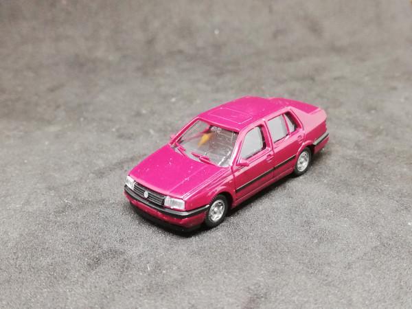 Wiking VW Passat Limousine rot
