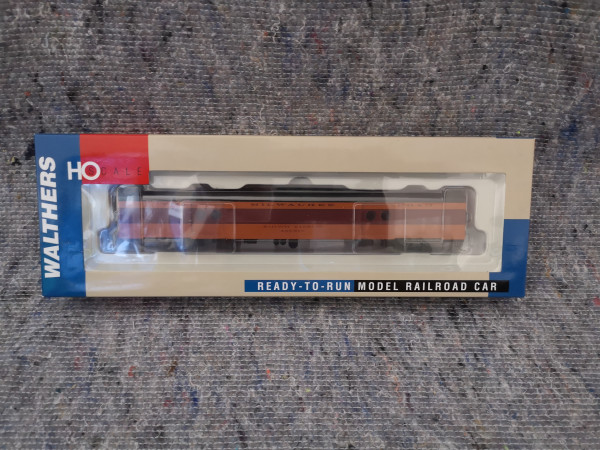 Walther 932-9209 Milwaukee Road 261 Excursion Express Car