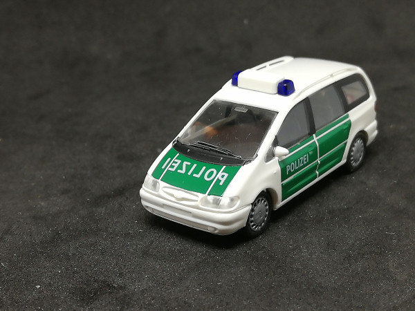 Rietze 50740 Ford Galaxy Polizei