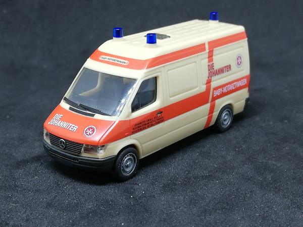 Herpa 043601 MB Sprinter Baby Notarztwagen Johanniter