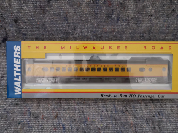 Walther 932-9252 Milwaukee Road 30 Seat Parlor Car