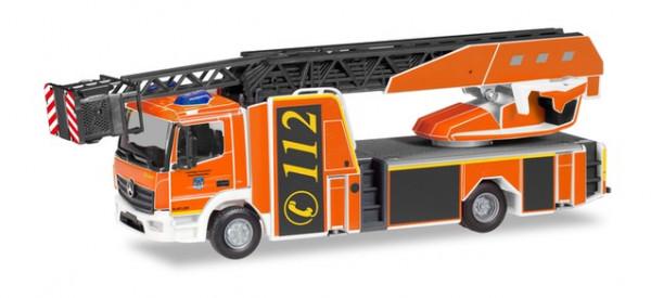 """Herpa 094498 Mercedes-Benz Atego Rosenbauer Drehleiter L32A """"Feuerwehr Holzminden"""""""