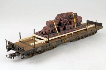 Vorbestellung Ladegüter Bauer H01118 alter Dieselmotor alter ausrangierter Großdiesel auf Holzladege