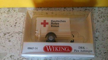 Wiking 086504 DRK PKW Anhänger mit Plane