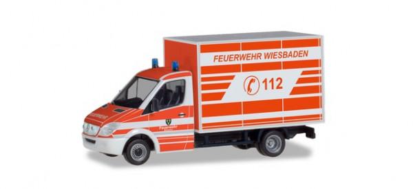"""Herpa 094511 Mercedes-Benz Sprinter Koffer """"Feuerwehr Wiesbaden"""""""