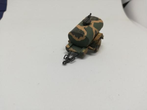 Roco PKW-Tankanhänger gesupert (2 verschiedene Varianten) 1:87