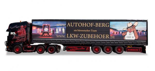 "Herpa 921459 Scania R Gardinenplanen-Sattelzug ""Black Warrior"" in PC Vitrine"