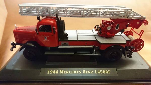 Signatures 43012 - 1:43 - 1944 Mercedes Benz L4500F FFw Ingolstadt DLK